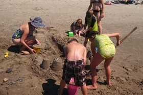 #216 - SANDCASTLES AND FAIRY HOUSES (10)