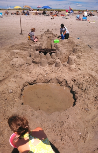 #216 - SANDCASTLES AND FAIRY HOUSES (13)