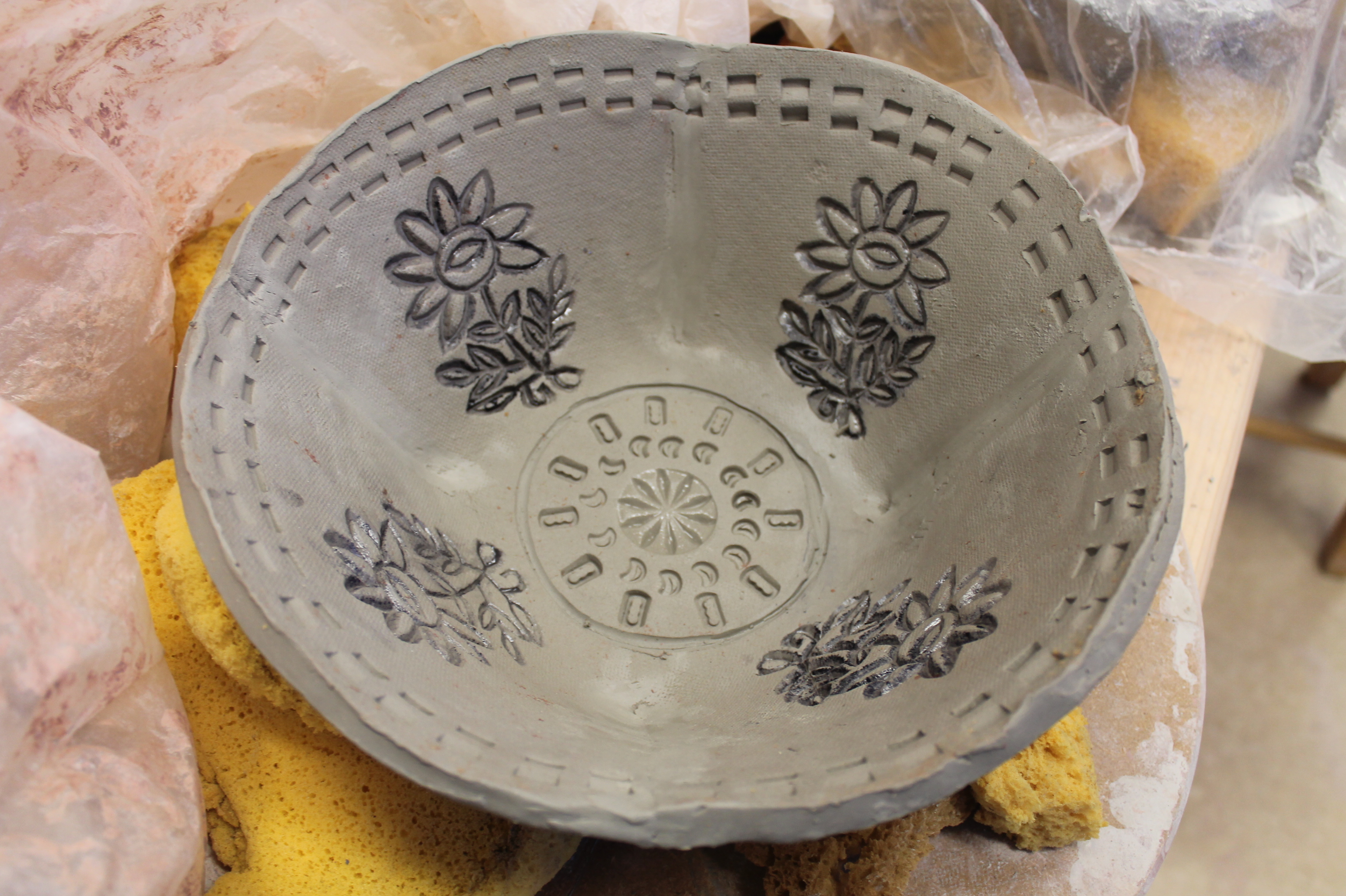 #274 - SLAB POTTERY NOTCH-CUT BOWLS (7)
