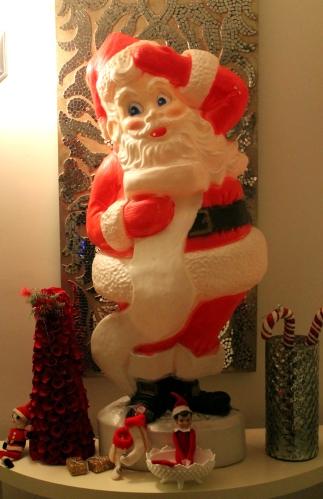 #338 - CHRISTMAS PUKED ON MY HOUSE (1)