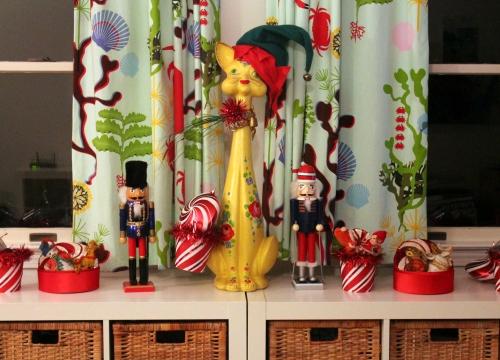 #338 - CHRISTMAS PUKED ON MY HOUSE (3)