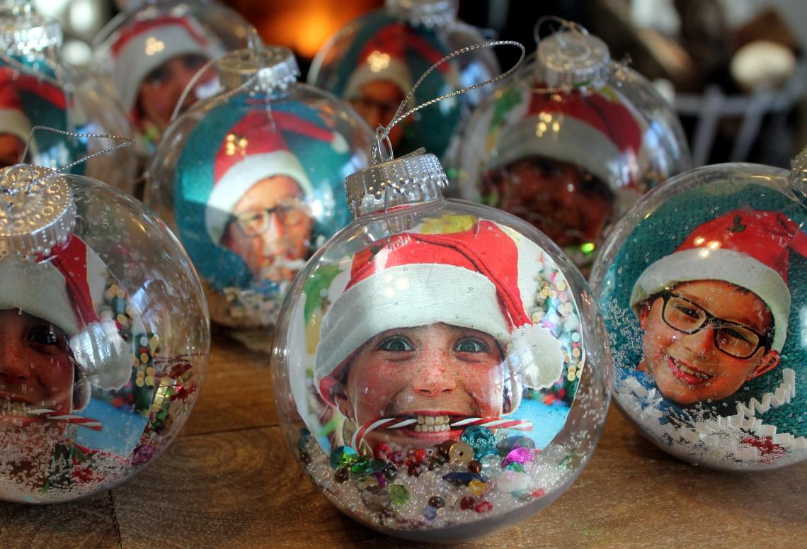 _Christmas bulbs2